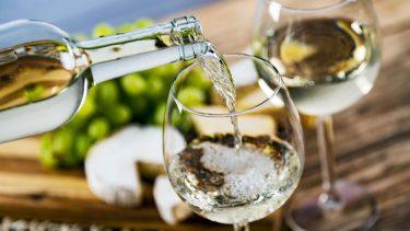 ソムリエ推薦!クリスマスとお正月におすすめ白ワイン5選