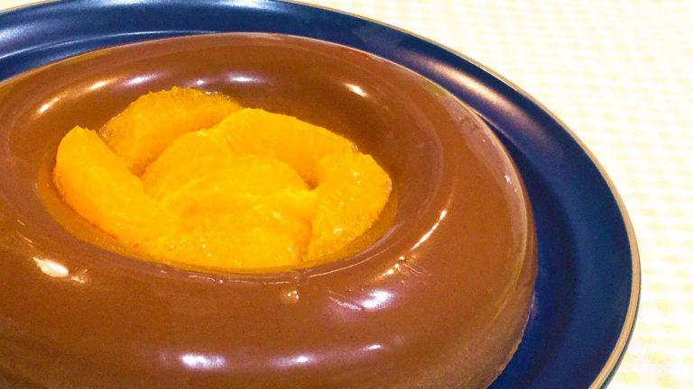 バレンタインにも!濃厚チョコレートムースのオレンジ添えのレシピ
