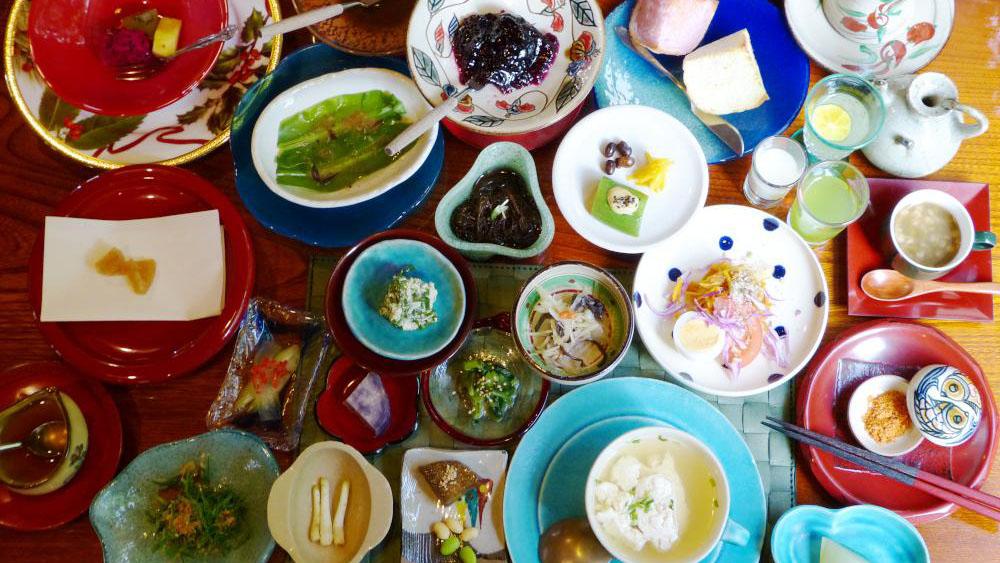 沖縄第一ホテルで約50品目の薬膳朝食!沖縄伝統野菜たっぷりです #旅の朝ごはん