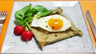 フランス・ブルターニュ名物のそば粉のクレープ「ガレット・コンプレット」 #世界の料理