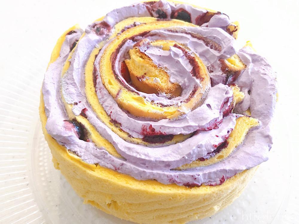 ブルーベリーの丸いショートケーキ