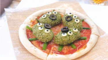 """【和訳付き】ディズニー公式レシピ「エイリアンのミートボールピザ」ポイント解説も!(Alien Veggie """"Meatball"""" Pizza)"""