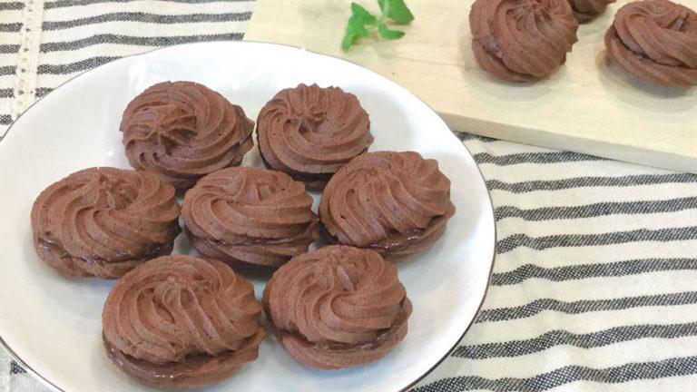 サクサク食感で止まらない!ココア絞り出しクッキーのレシピ
