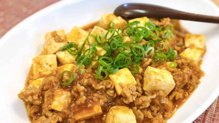 """絶対に形崩れしない麻婆豆腐!""""素""""なしで本格中華料理を作ろう! #昭和ごはん"""
