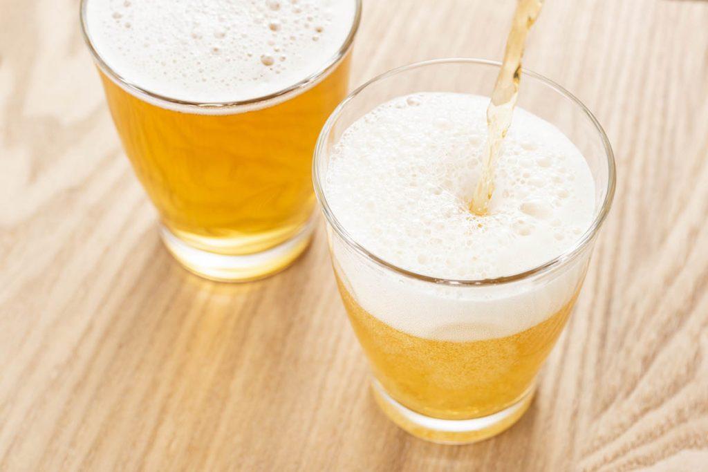 グラスに入れて飲むべき3つの理由。