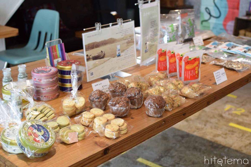 わかめソフトカフェでは、岩手県産の食品も買えます