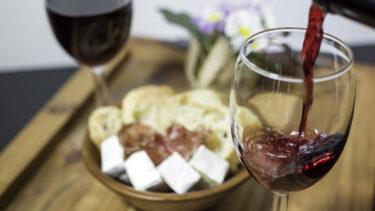 チーズプロフェッショナルが教える、ボジョレーヌーボーに合わせるチーズ5選