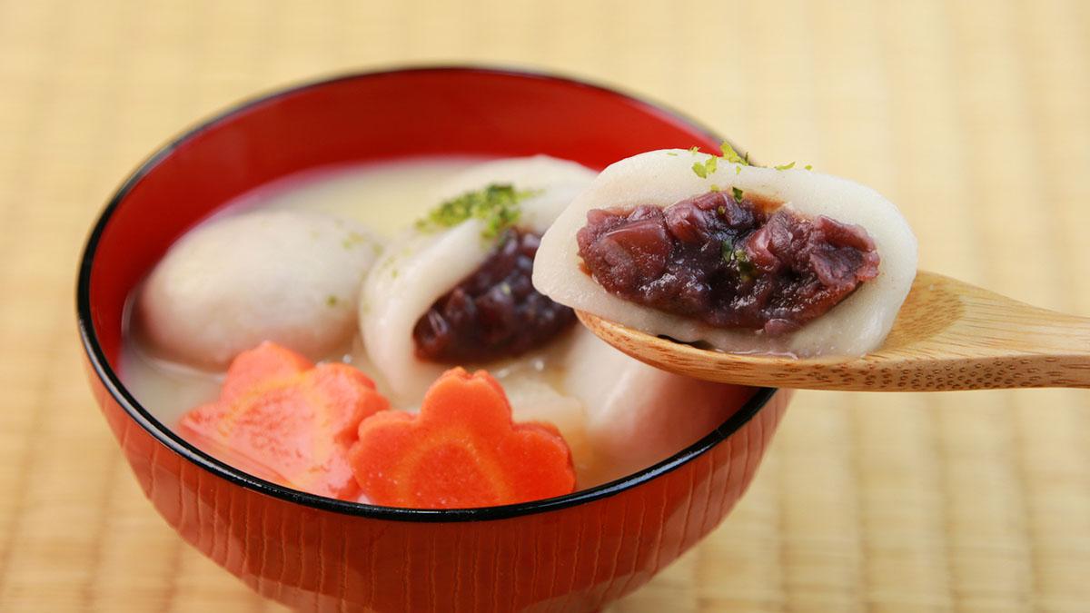 【香川県のあん餅雑煮】白味噌ベースの汁とあん餅の甘さがベストマッチ! #ご当地レシピ