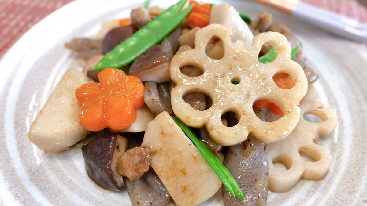 筑前煮のレシピ。飾り切りで華やかさをプラスしよう #昭和ごはん