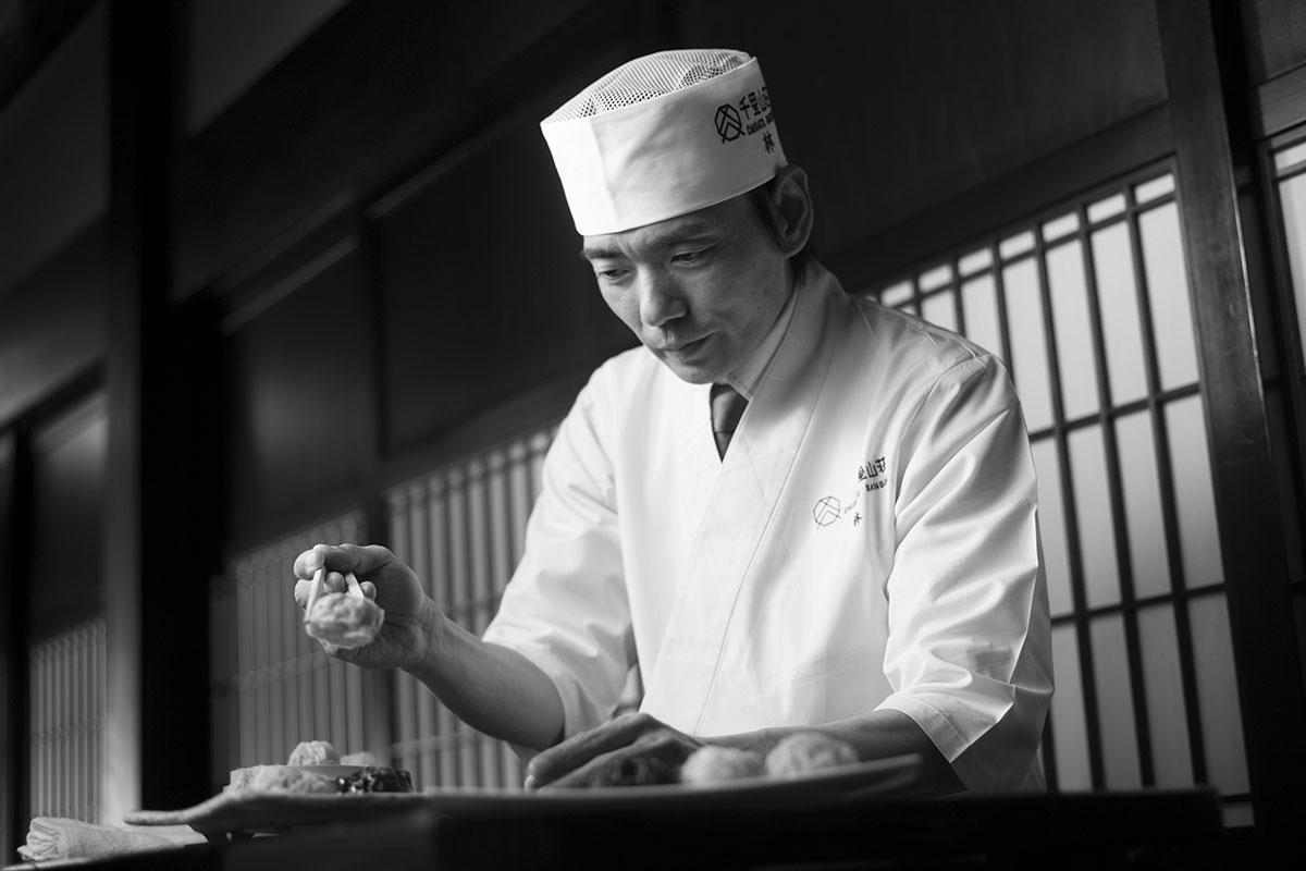 千里山荘 料理人