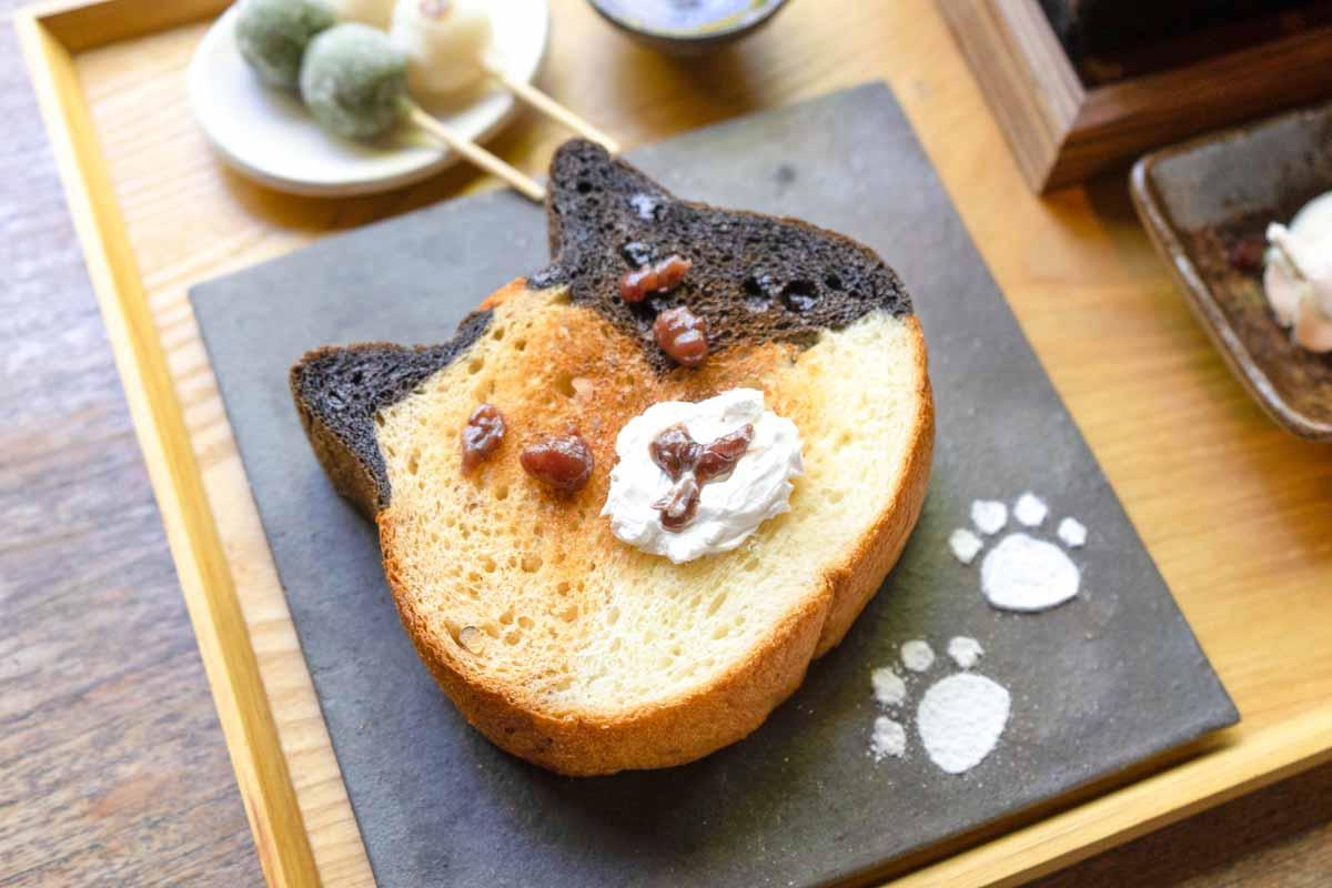 三毛猫の形をした食パン