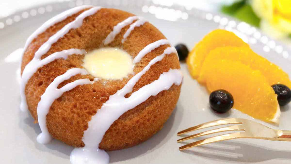 【和訳付き】ディズニー公式レシピ「ミニジンジャーブレッドバンドケーキ」ポイント解説も!