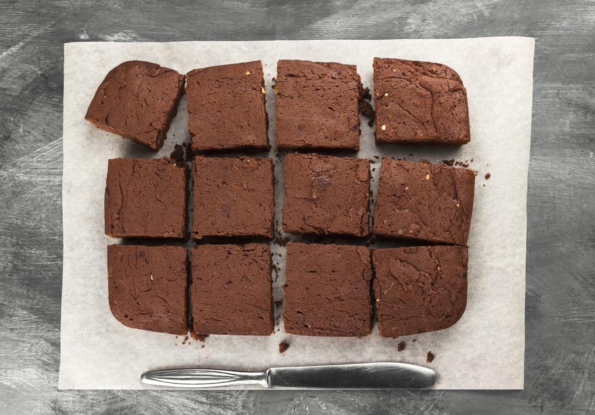 チョコレート菓子をきれいにカットするコツ