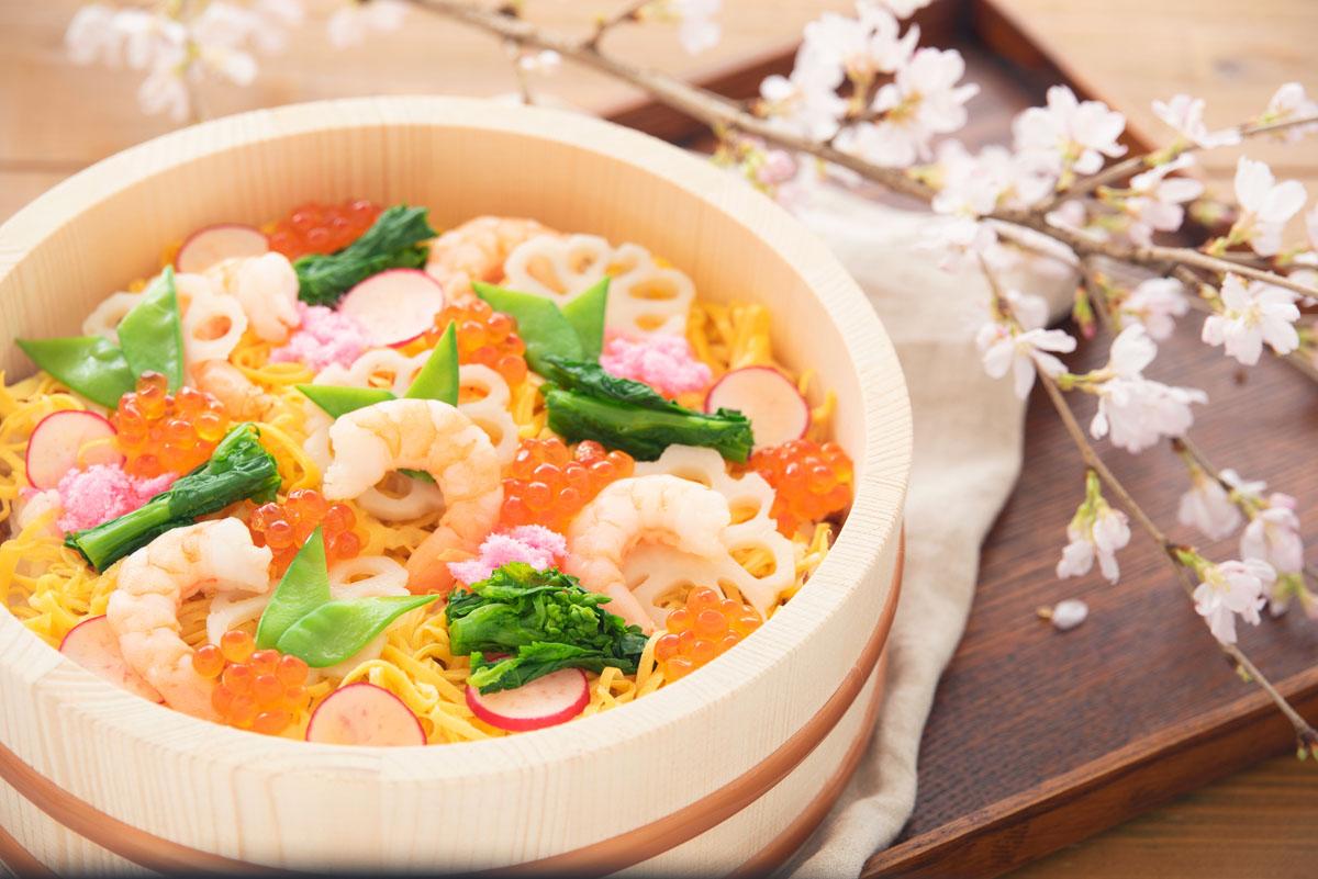ちらし寿司には、縁起のいい食材を