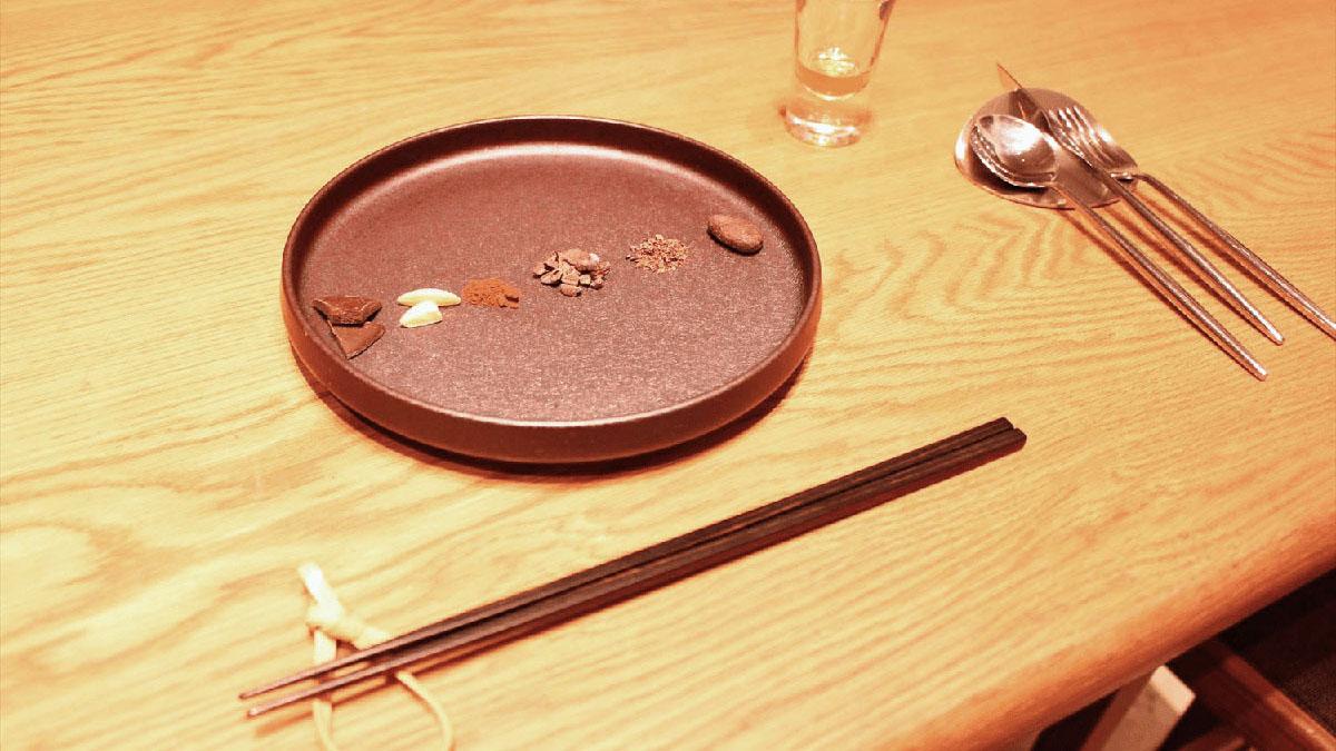 生チョコ専門店が手掛ける、カカオ料理のフルコース!鎌倉・銀行跡地の金庫室で味わう「ROBB」体験レポート