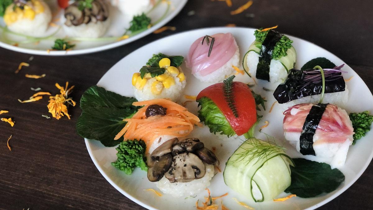 目にも華やかサラダ感覚のハーブベジ手まり寿司