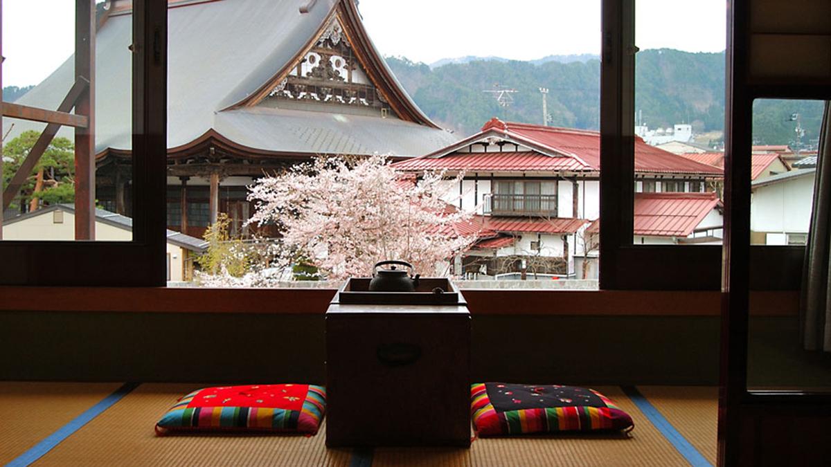 飛騨古川「八ツ三館」。160余年の老舗料理旅館で味わう、和の贅