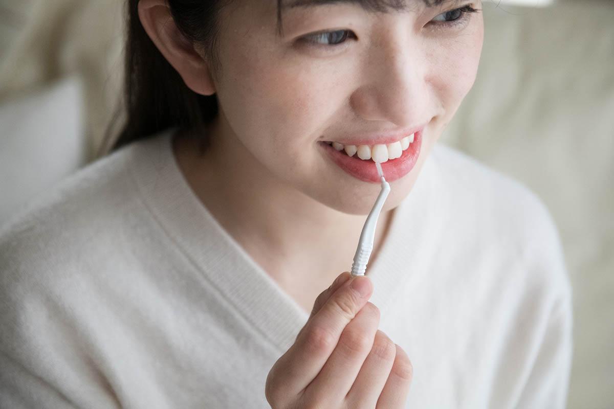 食べ物が歯に詰まる原因は老化だけじゃない!