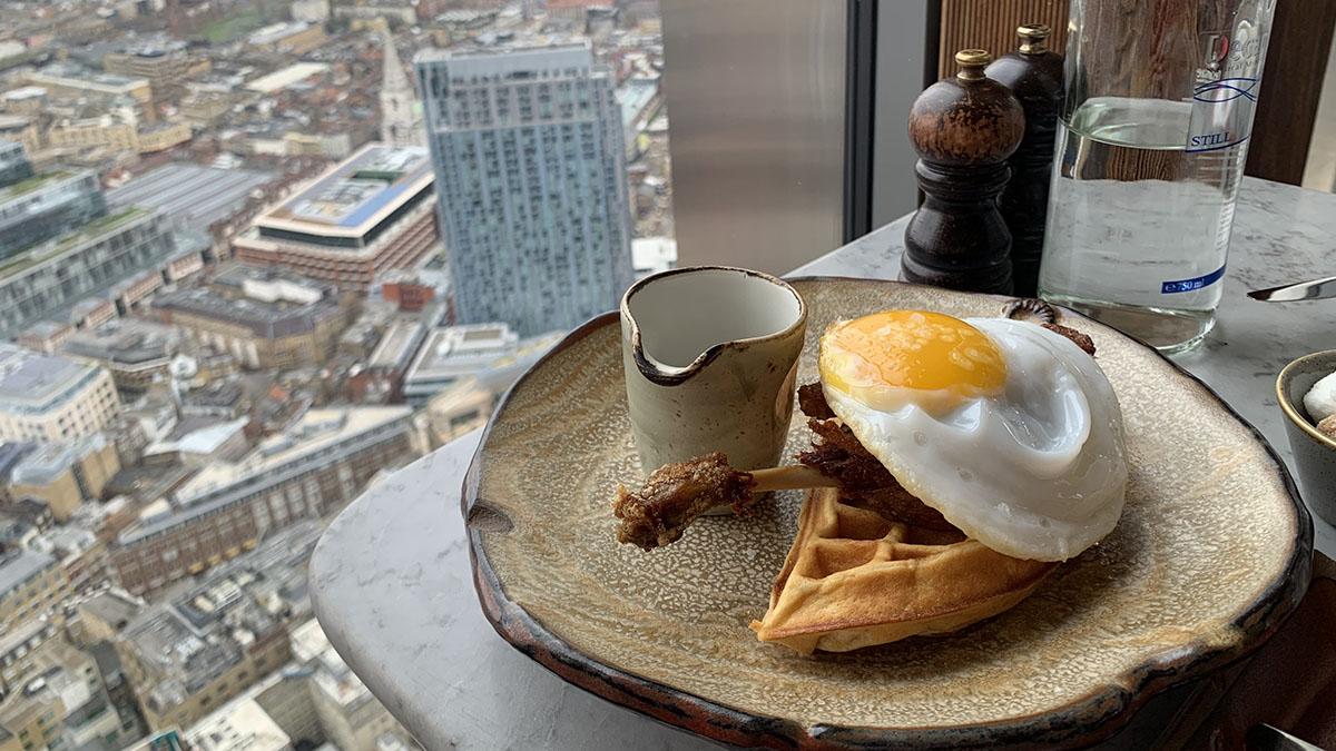 ロンドンを一望!「Duck & Waffle」の名物ワッフル #ロンドン女子の英国日記