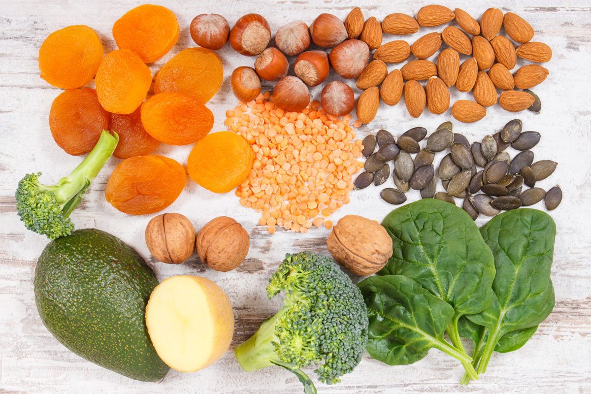 緑黄色野菜やナッツ