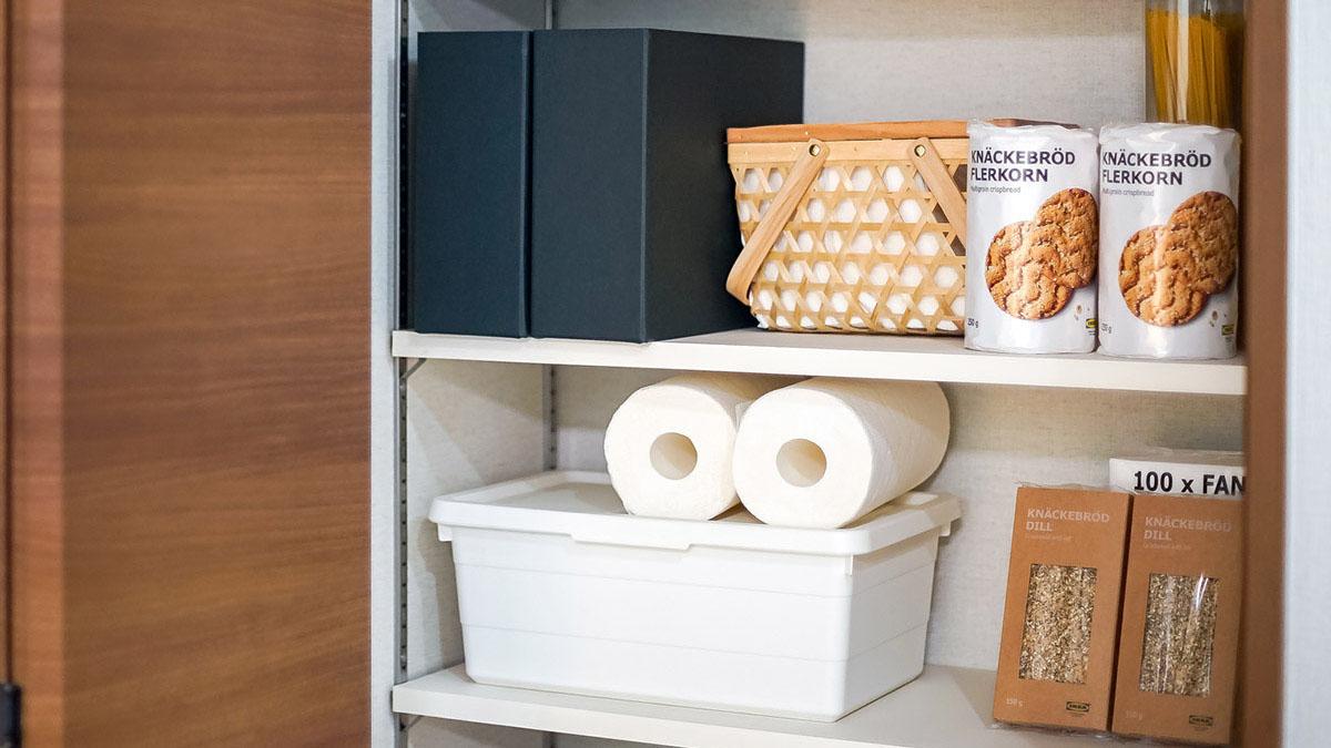 食品ストックやキッチン用品の収納方法は?キッチン以外を活用!