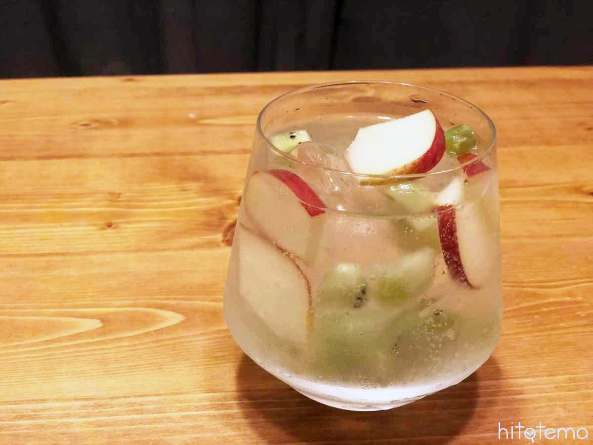キウイやリンゴを使ってサングリア風に!「食べるスプリッツァー」